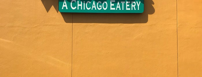 Wiseguys A Chicago Eatery is one of Tempat yang Disimpan Avelino.