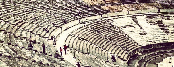 Great Theater of Ephesus is one of Mertesacker 님이 좋아한 장소.