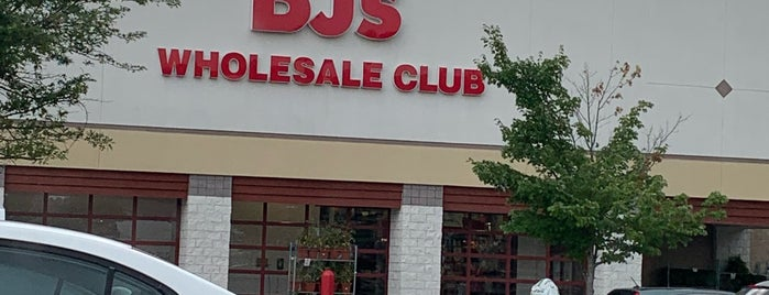 BJ's Wholesale Club is one of Locais curtidos por Jeremy.