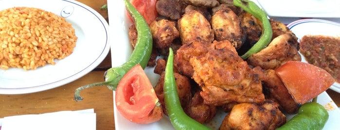 Lale Restaurant Mangal Evi is one of Esra'nın Beğendiği Mekanlar.
