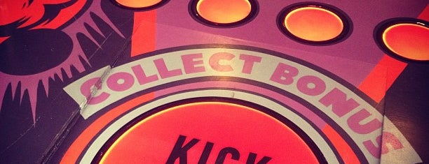 Kickback Pinball Cafe is one of Posti che sono piaciuti a Tiona.