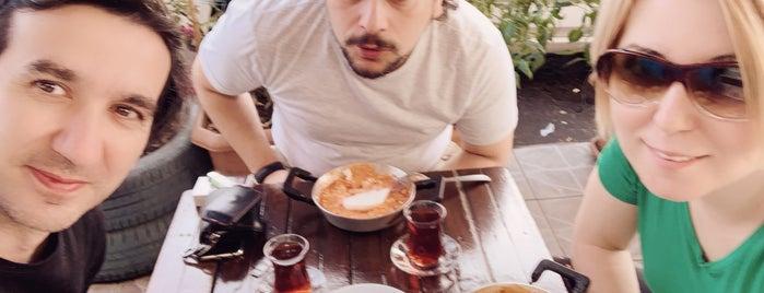 Meşhur Taksim Menemencisi is one of İstanbul kahvaltı.