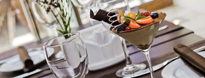 Villa Aston Restaurant and Hotel Aston 4* is one of «Коммерсантъ» в заведениях Санкт-Петербурга.
