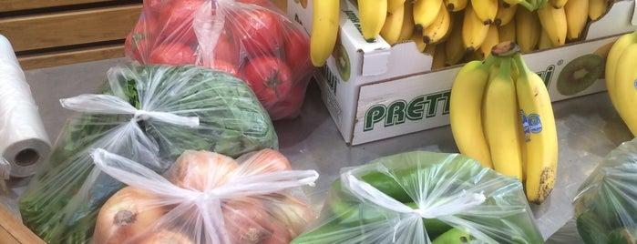 Akdoğanlar market is one of Aytac : понравившиеся места.