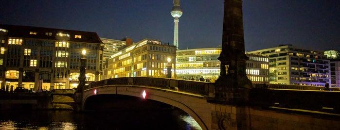 Friedrichsbrücke is one of 1 | 111 Orte in Berlin die man gesehen haben muss.