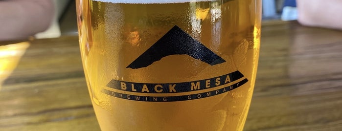 Black Mesa Brewery & Taproom is one of Posti che sono piaciuti a Travis.
