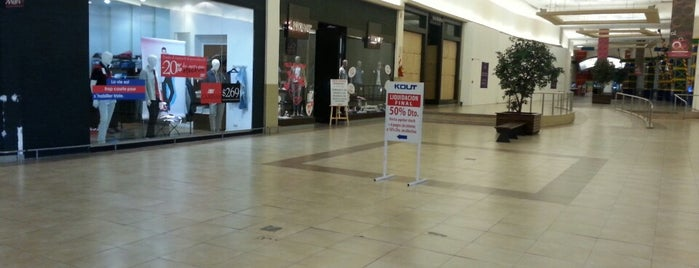 Al Oeste Shopping is one of Comí en:.