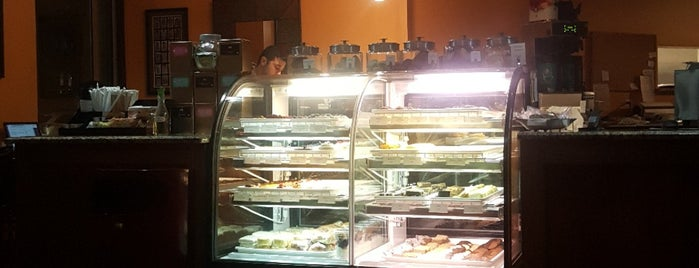 Piccolo Mondo is one of Boulangerie et Patisserie.