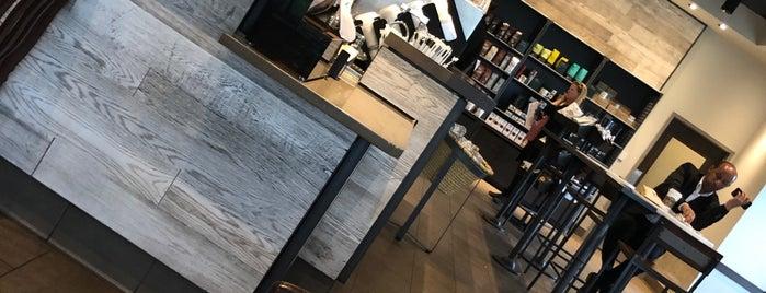 Starbucks is one of สถานที่ที่บันทึกไว้ของ rodney.