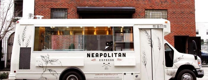 Neapolitan Express is one of Locais curtidos por Tiffany.