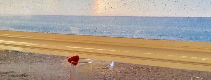 Moma Beach Bar is one of Eser Ozan : понравившиеся места.