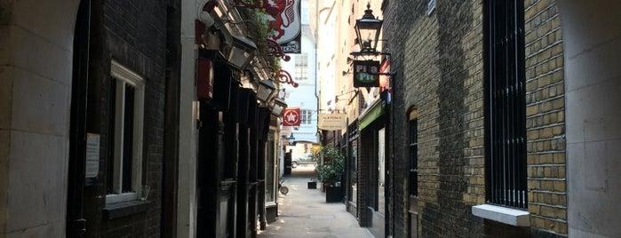 Crown Passage is one of À faire à Londres.