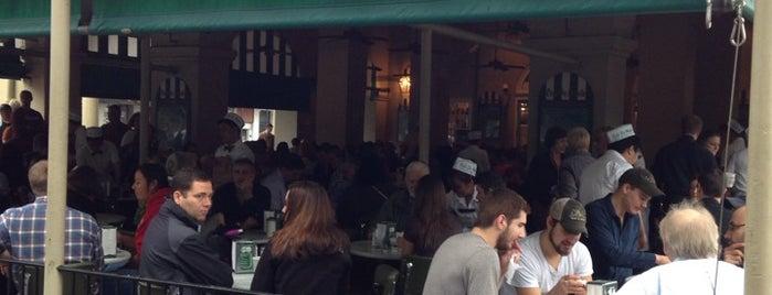 Café du Monde is one of New Orleans.