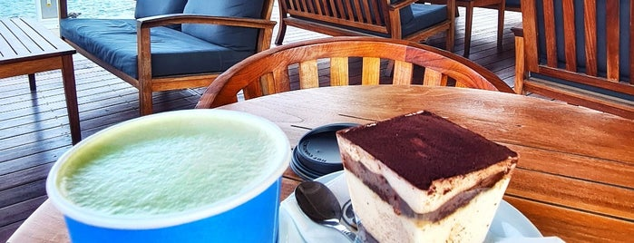 Caffè Nero is one of Lugares favoritos de Hanna.