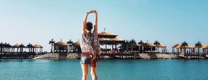 La Plage Port Cratos is one of Tempat yang Disukai Hanna.