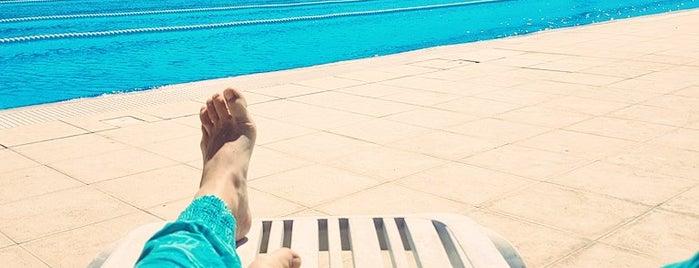 GAU Swimming Pool is one of Tempat yang Disukai Hanna.