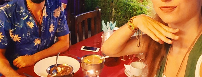 Punjab Indian & European Restaurant is one of Tempat yang Disukai Hanna.