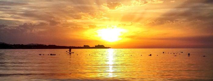 Kervansaray Beach is one of Tempat yang Disukai Hanna.