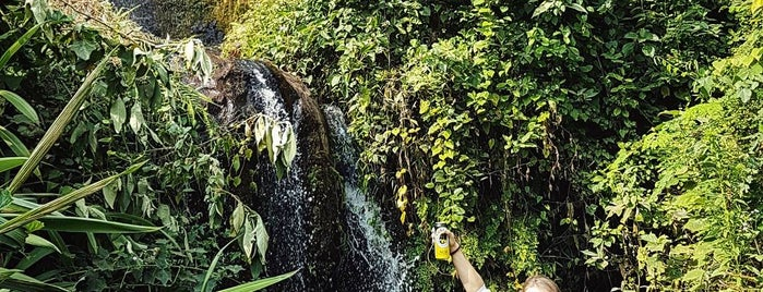 Tigoni waterfalls is one of Tempat yang Disukai Hanna.