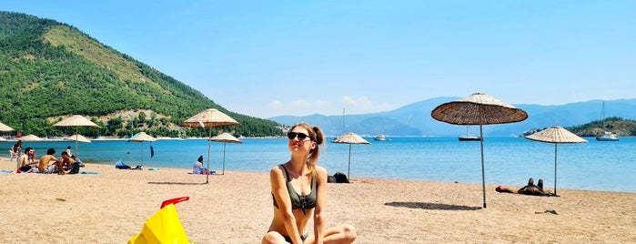 İçmeler Plajı is one of Tempat yang Disukai Hanna.