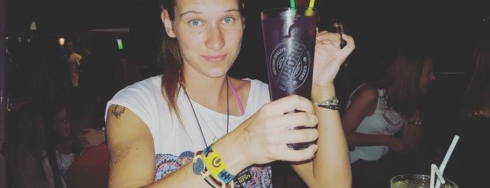 Cheers is one of Tempat yang Disukai Hanna.