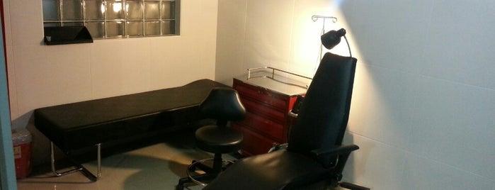 Nekros Tattoo Studio is one of Bere'nin Kaydettiği Mekanlar.