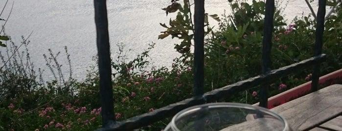 Nar Beach&Bistro is one of Posti che sono piaciuti a ULuLoBeriT.