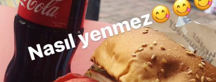 Solu Burger is one of สถานที่ที่บันทึกไว้ของ Emre.