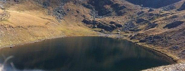 Сълзата (The Tear lake) is one of สถานที่ที่ Jana ถูกใจ.