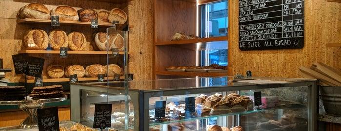 Bourke Street Bakery is one of สถานที่ที่ Alexandra ถูกใจ.