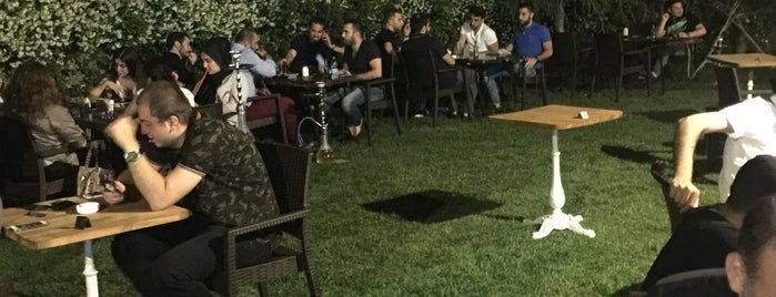 Florya Shisha Lounge is one of Lugares guardados de Abdullah Hakan.