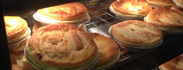 Garlo's Aussie Pie Shop is one of To Eat: Westwood, Los Angeles, CA.
