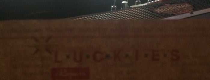 Luckies Liquor is one of Locais salvos de Kevin.