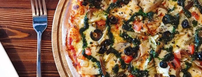 The Loft - Pizzeria & Bar is one of Lieux qui ont plu à Paul.