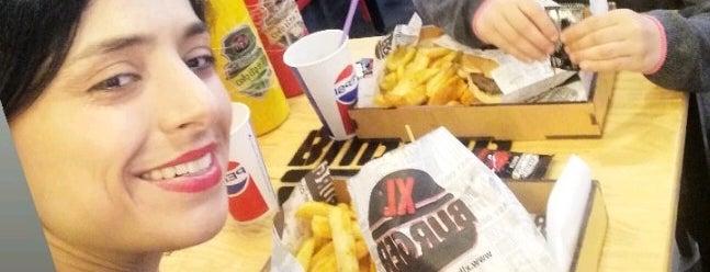 XL Burger is one of Lugares favoritos de Berkay.