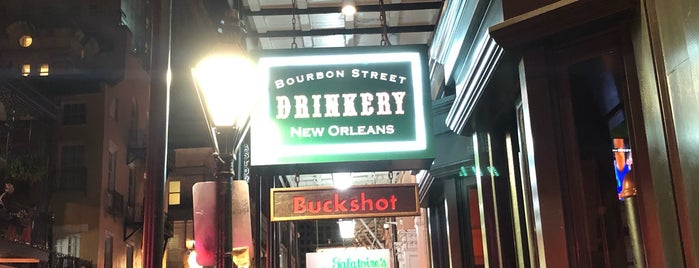 Bourbon Street Drinkery is one of Lugares favoritos de Jose Luis.
