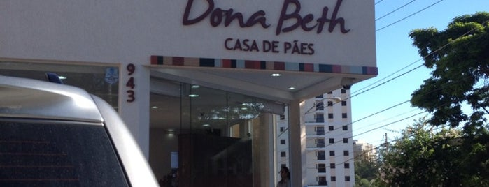 Dona Beth Casa de Pães is one of Bons lugares.