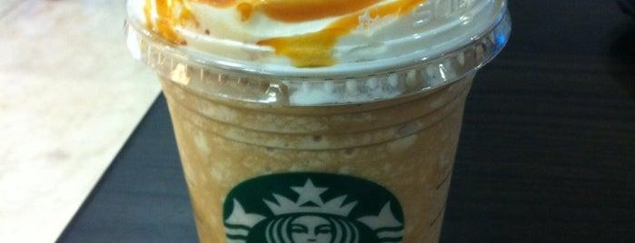 Starbucks is one of Orte, die Monica gefallen.