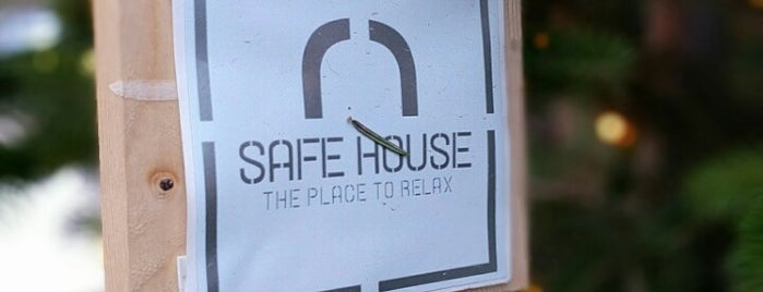 Safe House is one of Lieux qui ont plu à Andreas.