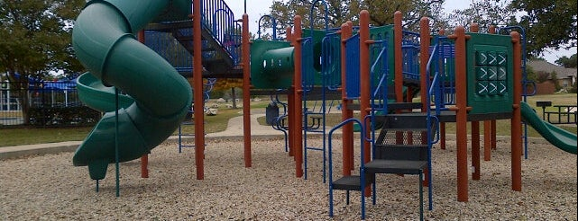 Lakeline Park is one of Elizabeth: сохраненные места.