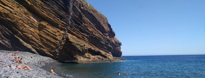 Praia do Garajau is one of Locais salvos de Filipa.