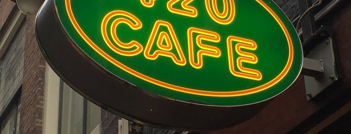420 Café is one of Lieux qui ont plu à Crhis.