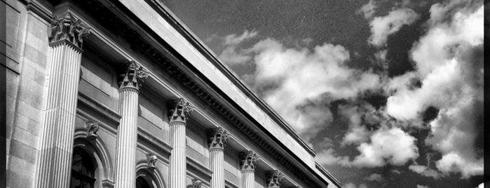 The Metropolitan Museum of Art is one of Manhattan Favorites.