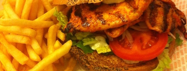 Bacoa Universitat is one of Good Burger.