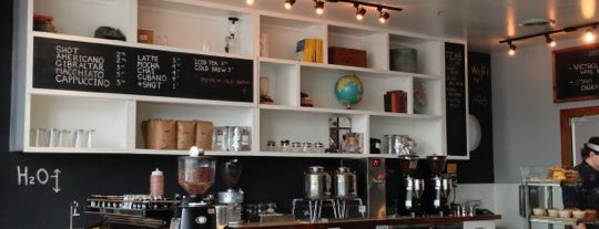 Coffee Commissary is one of Locais curtidos por Foxxy.