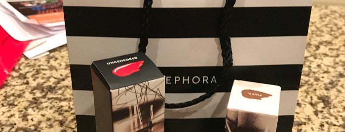 SEPHORA is one of Lugares favoritos de Suz.
