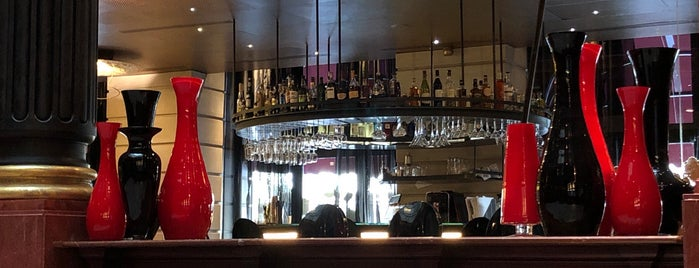 Lolabar is one of Bars.
