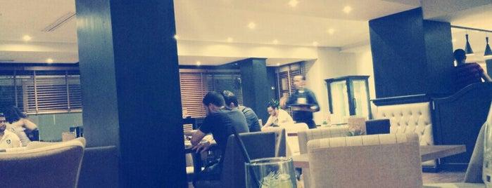 Mado Café & Resto is one of Lugares favoritos de ToonC.