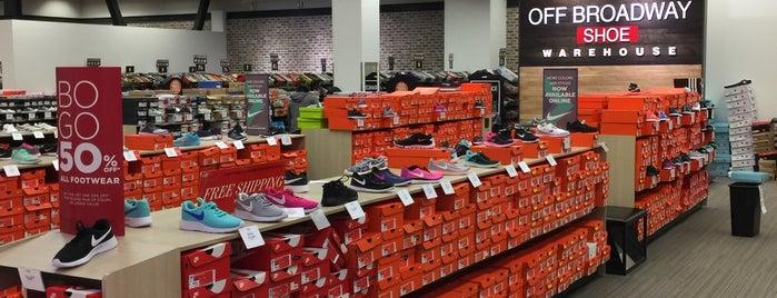 Off Broadway Shoe Warehouse is one of Posti che sono piaciuti a DFB.
