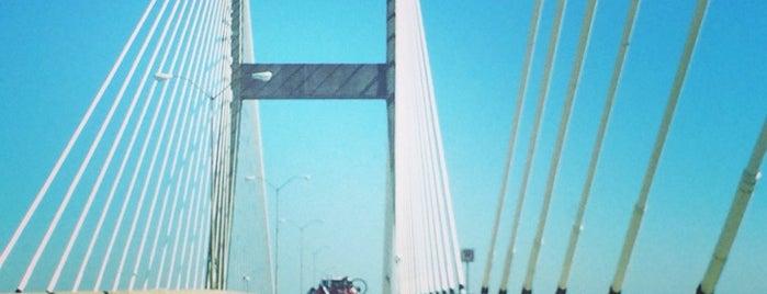 Eugene Talmadge Memorial Bridge is one of Locais curtidos por Jordan.